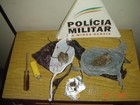 Dois são presos com tabletes e buchas de maconha em Itaúna, MG