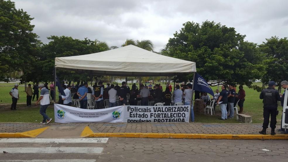 Sindicatos da Segurança Pública fazem protesto em frente à Governadoria do RN (Foto: Divulgação/ Sinpol)