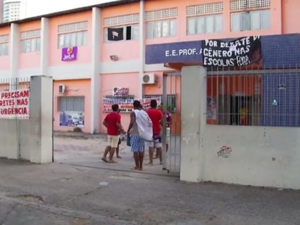 Escola Estadual Anísio Teixeira é uma das ocupadas por estudantes secundaristas em Natal (Foto: Reprodução/ Inter TV Cabugi)