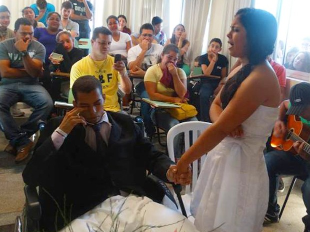 Cerimônia foi acompanhada por parentes e médicos em Botucatu (Foto: Arquivo Pessoal/Michele Alves)