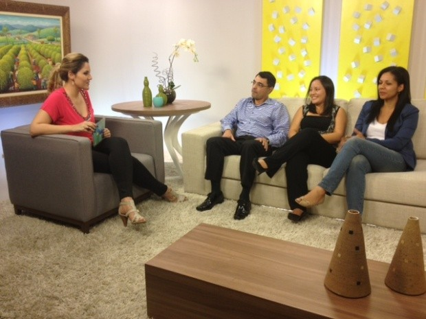 No estúdio, convidados falam sobre Trobomfilia (Foto: Reprodução / TV Diário)