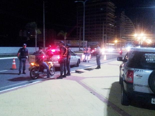 Polícia Militar realiza operações em diversos pontos da cidade (Foto: Igor Almeida/G1)