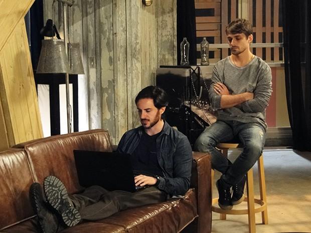 Herval coloca drones para vigiar Jonas e Verônica (Foto: Giulia Gomes/Gshow)