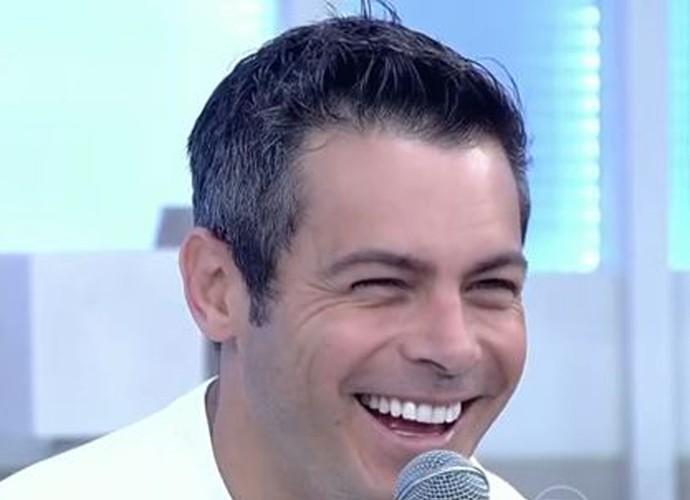 Luigi Baricelli participa do 'Encontro' (Foto: TV Globo)