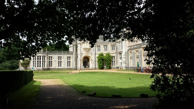 Castelo de Highcliffe, na cidade de Christchurch, onde o ex-BBB Ralf Krause se casou (Foto: Arquivo pessoal)