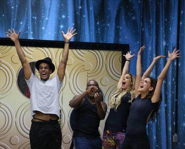 Marcello Melo Jr., Raquel Guarini, Patrick Carvalho e Paloma Bernardi ensaiam (Foto: Carol Caminha/ Gshow)