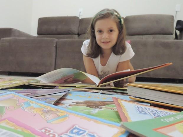 Mariana tem 7 anos e está na segunda série do ensino  (Foto: Alan Schneider/G1)