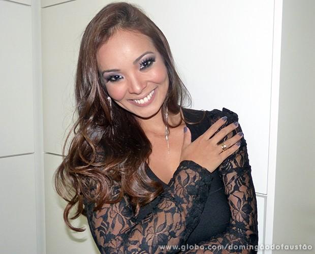 Carol Nakamura (Foto: Domingão do Faustão / TV Globo)