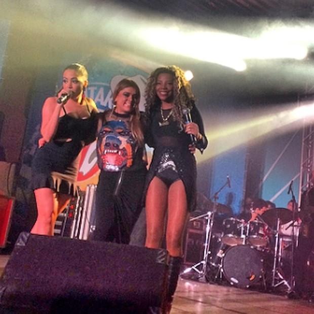 Preta Gil com Anitta e MC Ludmilla em sua festa de aniversário no Rio (Foto: Instagram/ Reprodução)