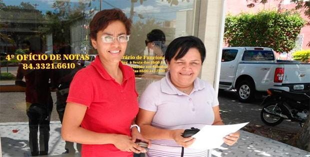 Lúcia Janaína Pinheiro e Francineide Moura oficializaram união estável em julho (Foto: Arquivo Pessoal)
