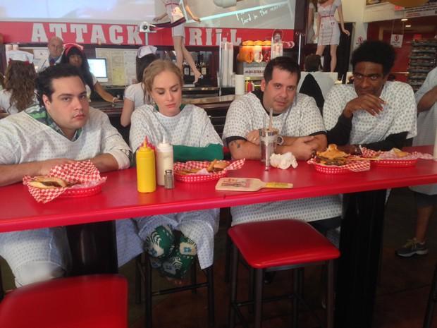Dia de abusar na comida no Estrelas! Angélica leva Hassum para desafio (Foto: Estrelas/TV Globo)