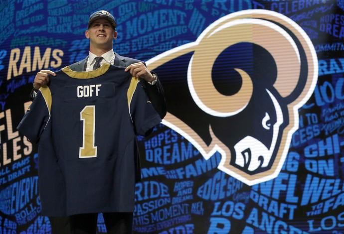 Jared Goff é escolhido como número do Draft e vai defender o Los Angeles Rams (Foto: AP)