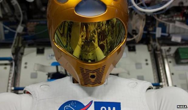 Nasa tem grandes planos para o Robonauta (Foto: BBC)