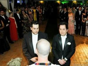 Casal escolheu ter a benção de Deus no casamento (Foto: arquivo pessoal / Fábio Fornaroli)