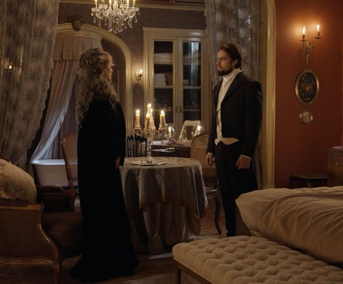 Vitória diz a Felipe que não está interessada em vender suas terras por enquanto (Foto: TV Globo)