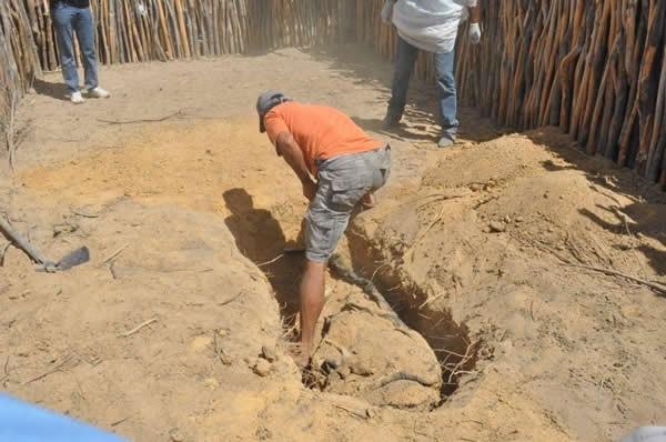 Mulher mata marido com ajuda do filho, em Salitre (Foto: Foto: Michel Dantas/Agência Miséria)