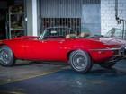 Após 2 anos, oficina do PR conclui restauração de raro Jaguar E-Type