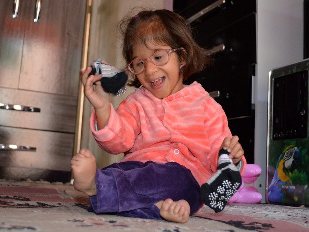 Menina nasceu prematura com apenas 600 gramas e 29 centímetros. (Foto: Fernanda Zanetti/G1)
