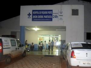 Idosa foi levada para o hospital municipal de Divinópolis do Tocantins (Foto: Edson Gilmar/Surgiu)