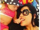 Mulher Moranguinho posa em foto fofa com a filha: 'Minha princesa'