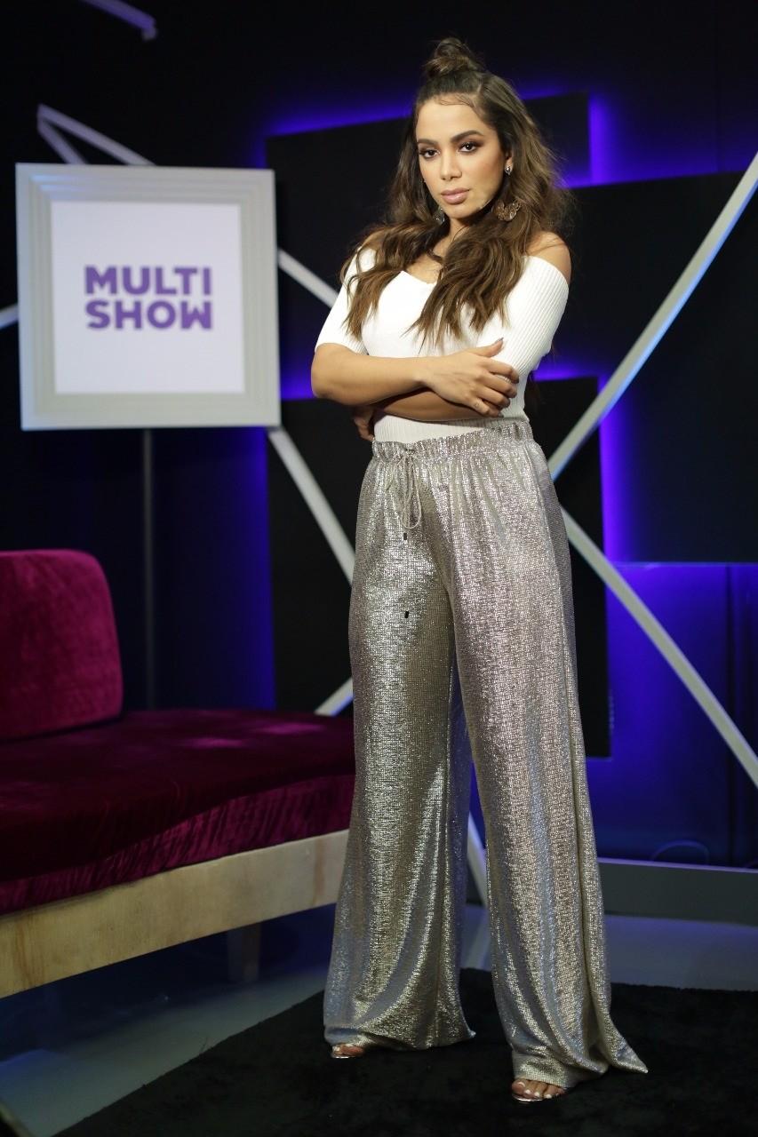 Anitta aparece estonteante para apresentar o Msica Boa Ao Vivo desta tera-feira (5) (Foto: Daniel Seda/Multishow)