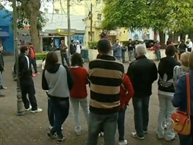Moradores fazem nova reunião para discutir melhorias em Itapetininga (SP) (Foto: Reprodução TV TEM)