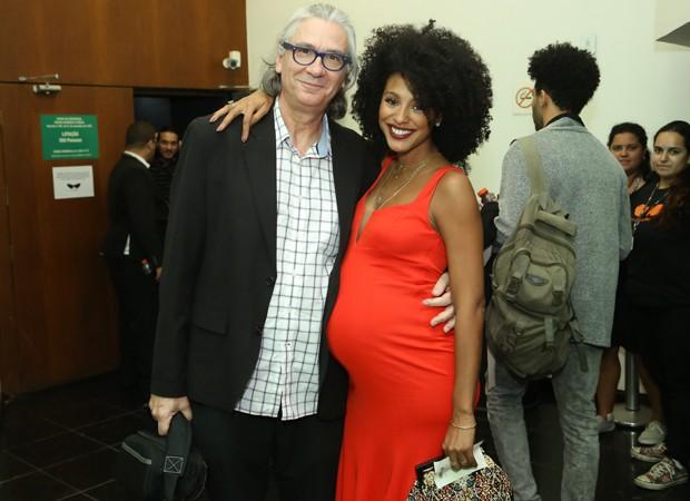Sheron Menezzes e o diretor de Bio, Carlos Gerbase (Foto: Roberto Filho/Brazil News)