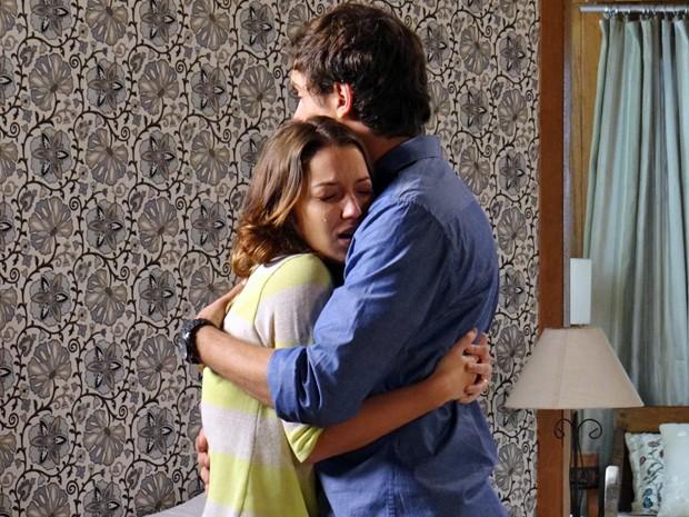 A jornalista não aguenta de tanta saudade do seu amor! (Foto: Gabriela Duarte / Gshow)