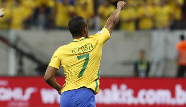 Mais um confronto rumo à Copa do Mundo de 2018; confira na Globo!  (Foto: Divulgação)