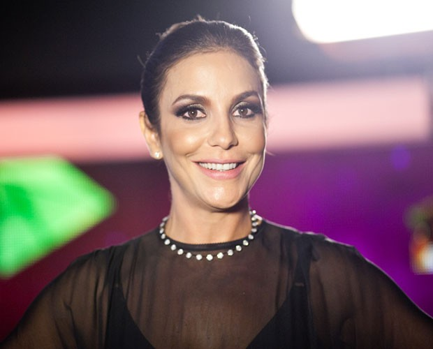 Ivete Sangalo está feliz da vida com o lançamento do novo trabalho (Foto: Dafne Bastos/TV Globo)