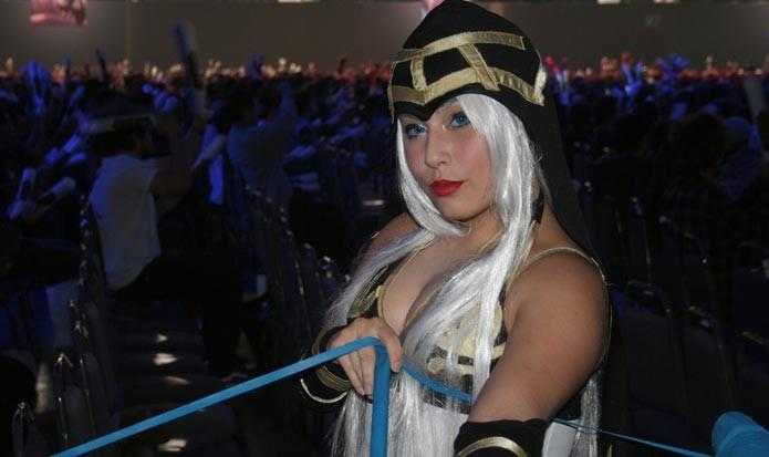 Alguns cosplayers também marcaram presença no CBLoL (Foto: Felipe Vinha)
