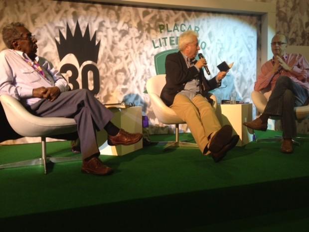 Joel Rufino dos Santos e Dênis de Moraes falam sobre Lima Barreto e Graciliano Ramos no Placar Literário na Bienal do Livro (Foto: Isabela Marinho/ G1)