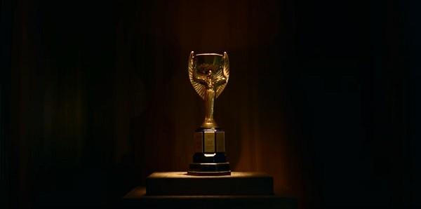 A taça Jules Rimet, dada ao Brasil depois do tricampeonato na Copa de 1970, foi roubada nos anos 1980 (Foto: Reprodução)