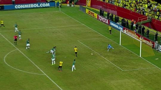 Análise: Palmeiras tem 45 minutos bons, mas cansa e sofre de verdade no Equador