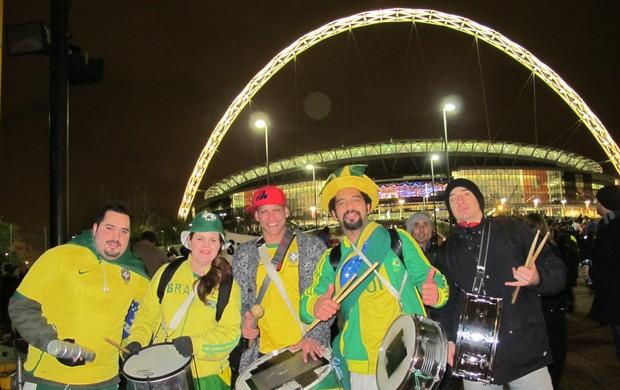 Torcida brasileira em Wembley - Brasil x Inglaterra (Foto: Leandro Canônico)