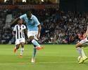 Yaya faz dois, e City estreia no Inglês com vitória sobre o West Bromwich