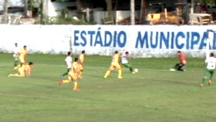 alto acre x náuas álvaro felício abrahão campeonato acreano 2015 gols (Foto: Reprodução/TV5)