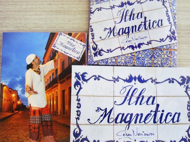 Encarte do CD e DVD lançados trazem fotos de Meireles Júnior e arte de Gesiel Pontes (Foto: Fernanda Libério/G1)