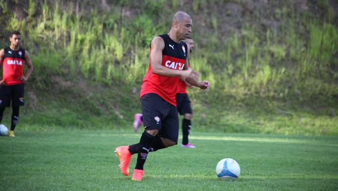 Jorge Wagner em treino na Toca do Leão (Foto: Divulgação / EC Vitória)