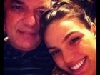 Isis Valverde publica foto com o pai: 'Vou aproveitar para matar a saudade!'