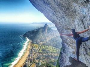Por sonho de viajar o mundo, jovem larga emprego para buscar novas experiências (Foto: Arquivo Pessoal/Arenata Sarzi)