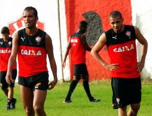 9a60a915e8 Richarlyson e Adriano  Vitória (Foto  Divulgação EC Vitória) Richarlyson e  Adriano treinam na Toca do Leão ...