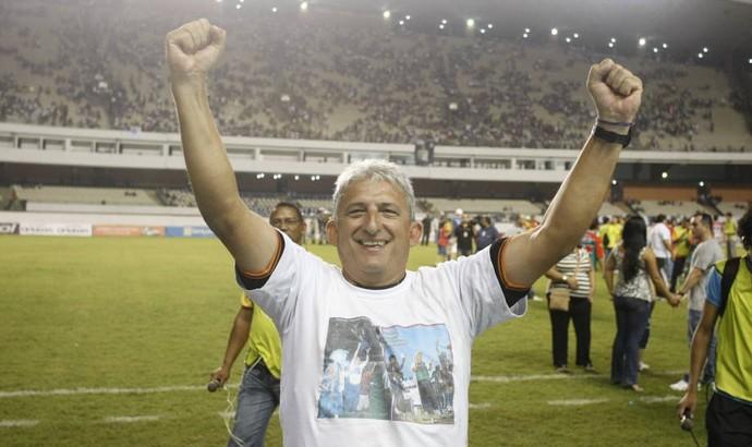 Técnico Sinomar Naves é tricampeão do Parazão (Foto: Marcelo Seabra/O Liberal)