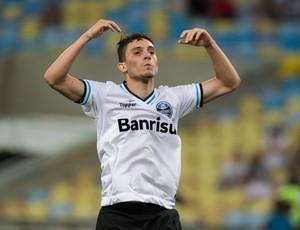 Alex Telles gol Grêmio x Botafogo (Foto: Celso Pupo / Ag. Estado)