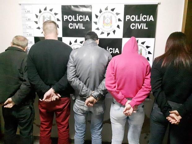 Suspeitos presos na ação conduzida pela Polícia Civil (Foto: Polícia Civil/Divulgação)