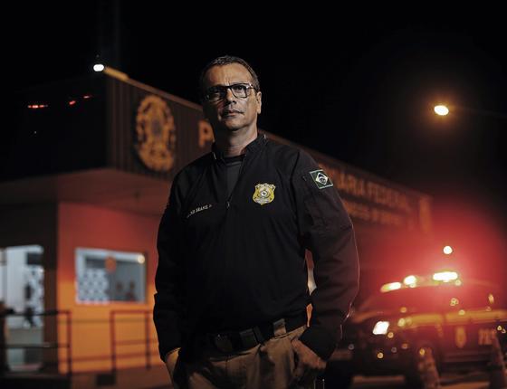 Inspetor Waldir Brasil,vítima de atentado (Foto:  Adriano Machado/ÉPOCA)