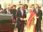 Após 'abraço de urso', Obama faz acordos com Modi na Índia
