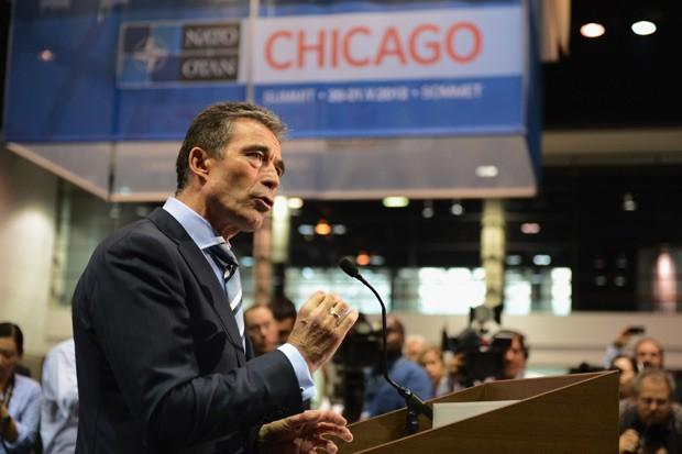O secretário-geral da Otan, Anders Fogh Rasmussen, fala à imprensa sobre o Afeganistão durante encontro da organização em Chicago, neste domingo (20) (Foto: Kevork Djansezian/Getty Images/AFP )