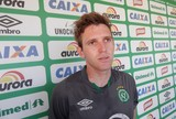 """Chape aprimora arremates, e Fabiano destaca: """"Tem que aproveitar chances"""""""