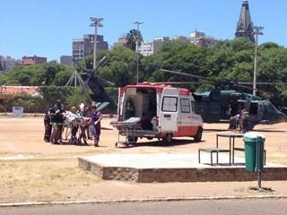 Feridos na tragédia são trazidos para Porto Alegre de helicóptero (Foto:  Luciane Kohlmann/RBS TV)